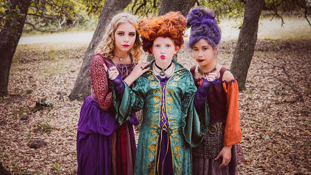 Photographer re-creates 'Hocus Pocus' with photo shoot at SA park