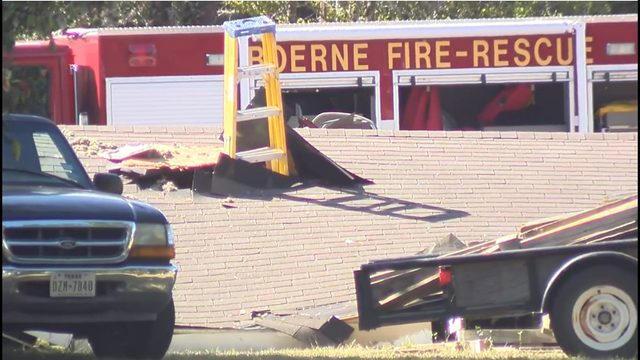 One person killed after roof of mobile home collapses in Boerne