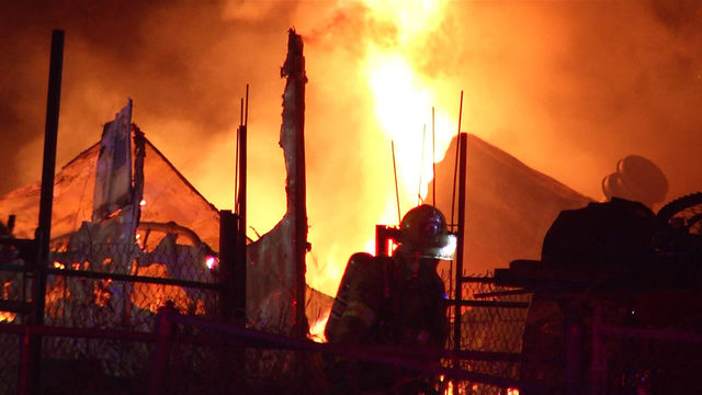 Fire destroys 2 mobile homes in Southeast Bexar County