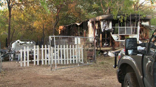 Neighbor tried to put out fire before it destroyed 2 mobile homes