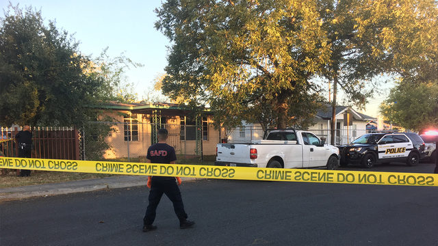 Club-wielding man fatally shot by West Side homeowner, San Antonio police say